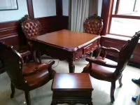 重庆欧式实木餐桌款式机麻