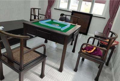 南岸区麻将机有折叠款式,餐桌款,实木餐桌多种款式